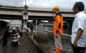 sidak-banjir-semarang-ganjar-pranowo-saya-minta-maaf_c_264266